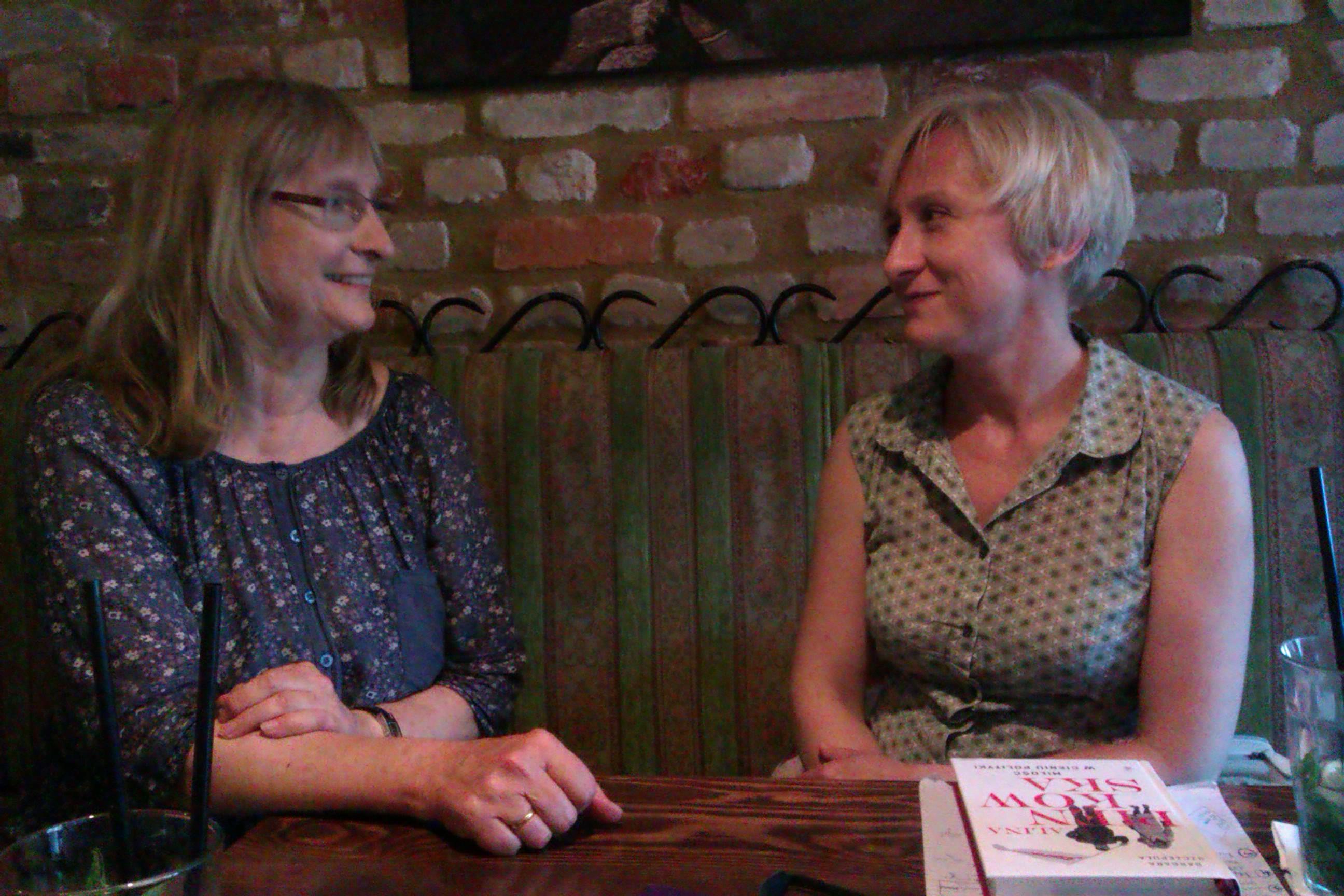 Barabra Szczepuła rozmawia z Grażyną Knitter, fot. A.M. Miler