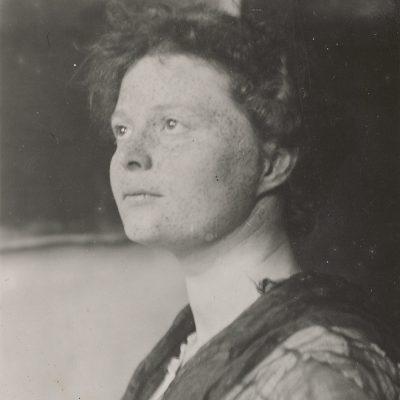 Czarno-białe zdjęcie młodej Marie Johanna Baum